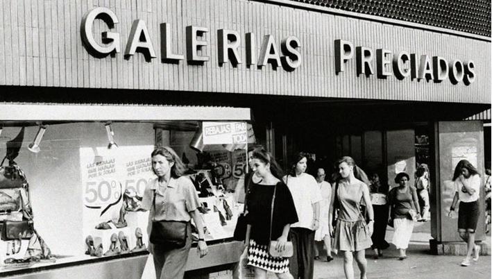 Resultado de imagen de fotos de periodos de rebajas galerias preciados